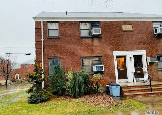 Photo of home for sale at 17-44 166 St, Whitestone NY