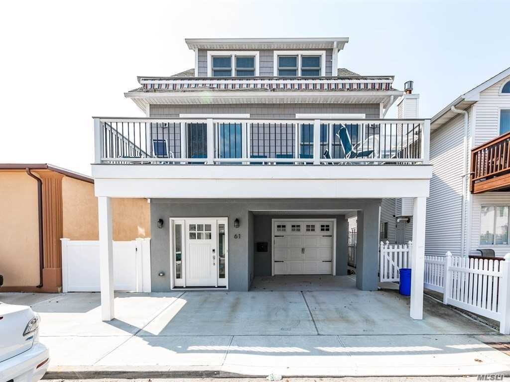 Photo of home for sale at 61 Virginia Ave, Long Beach NY