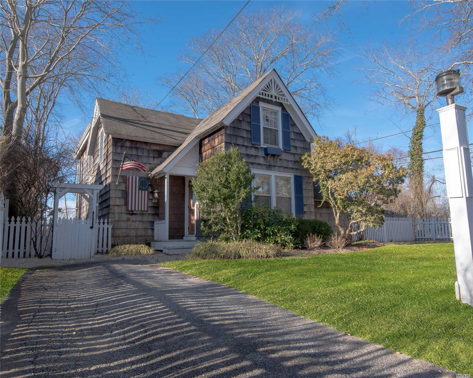 Photo of home for sale at 212 Lumber Ln, Bridgehampton NY