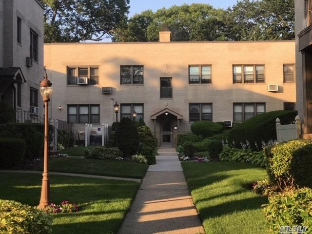 Property for sale at 300 Cedarhurst Ave, Cedarhurst,  New York 11516