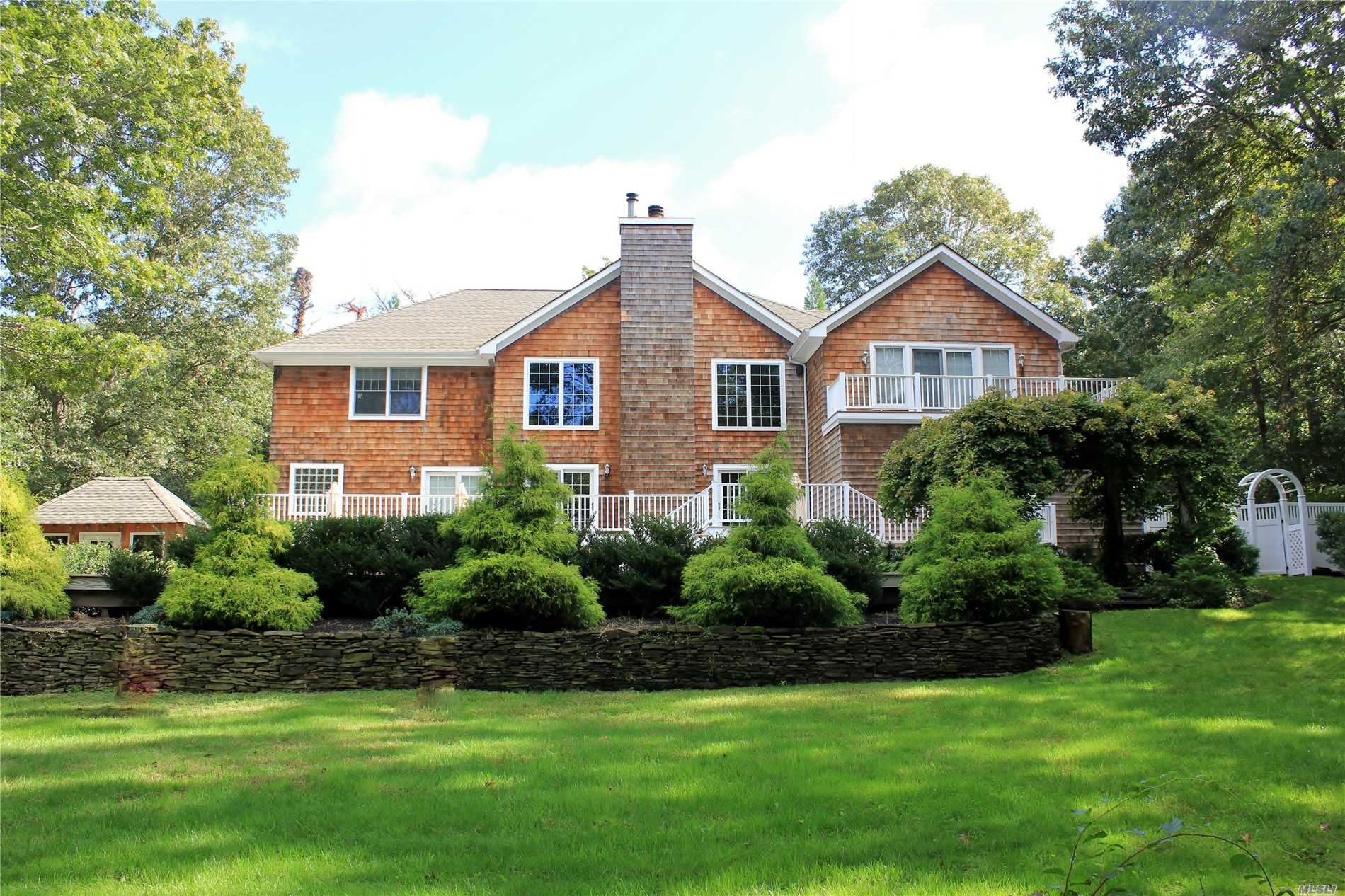 Photo of home for sale at 4 Woodview Way, Hampton Bays NY