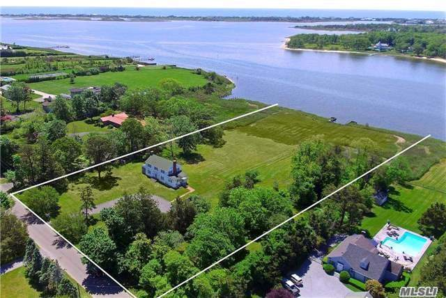 Photo of home for sale at 32 Sunset Ave, East Quogue NY