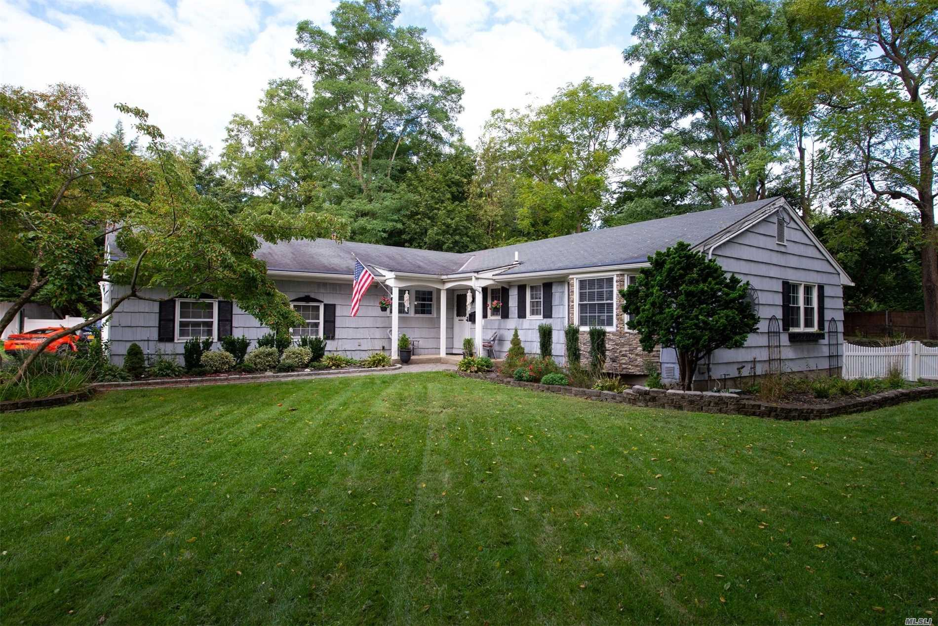 Photo of home for sale at 104 Foxdale Ln, Port Jefferson NY