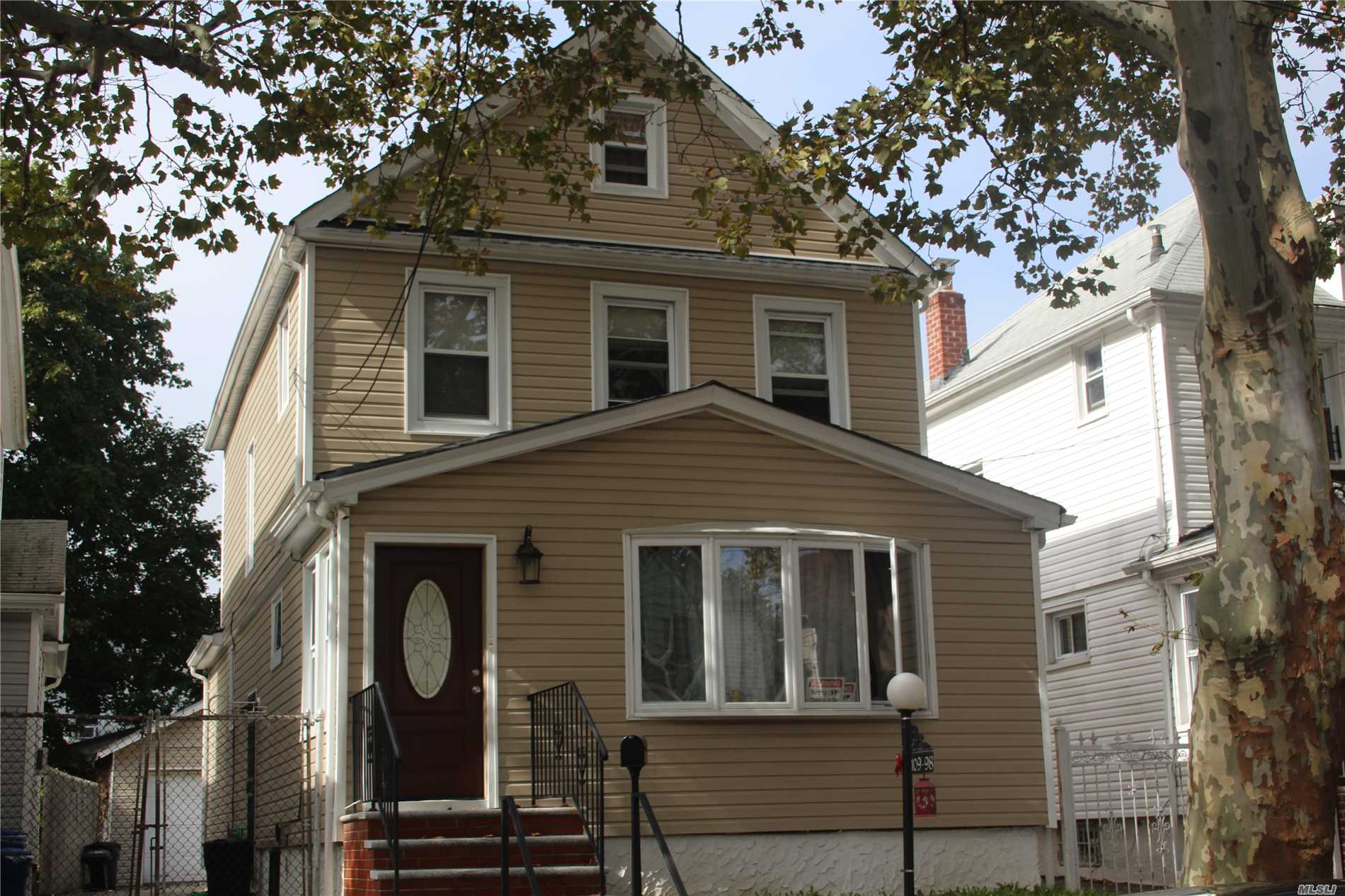 Photo of home for sale at 109-98 202nd St, Jamaica NY