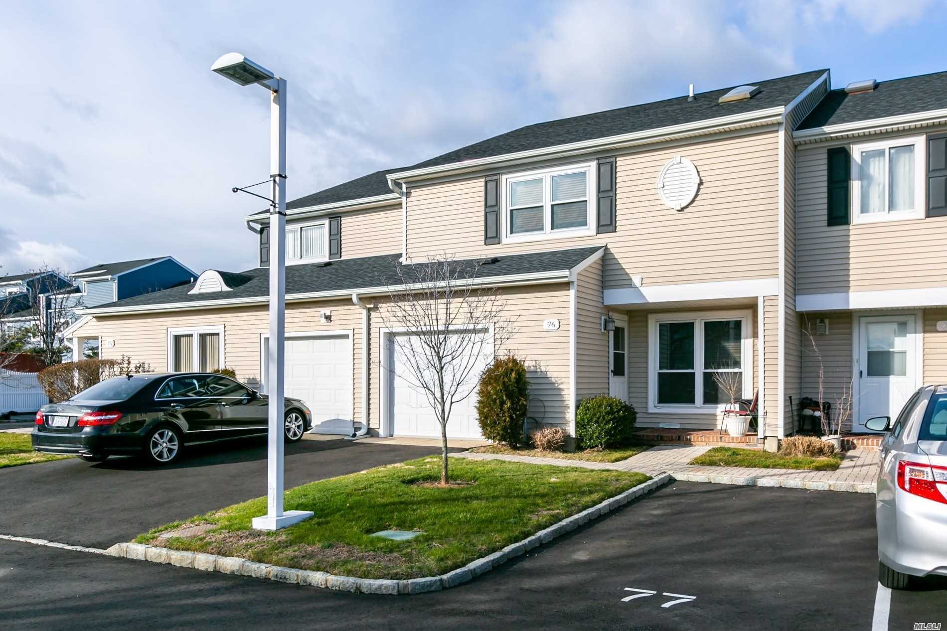 Photo of home for sale at 100-76 Baker Ct, Island Park NY