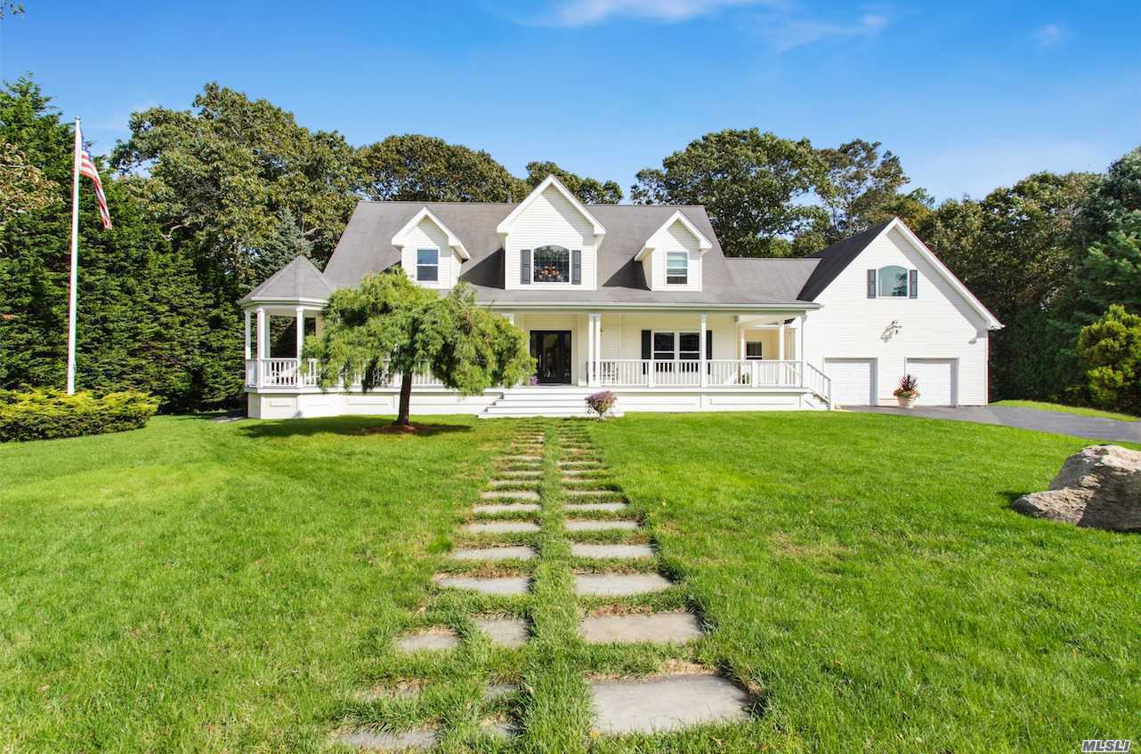 Photo of home for sale at 17 Briana Ct, East Moriches NY
