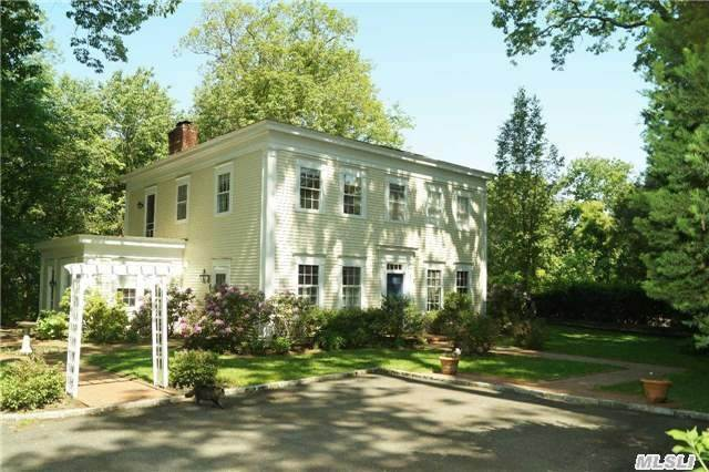 Photo of home for sale at 46 Tiffany Rd, Laurel Hollow NY
