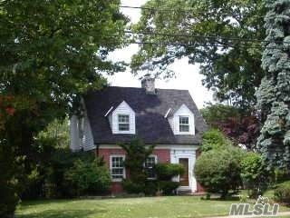 Photo of home for sale at 136 California Ave, Freeport NY