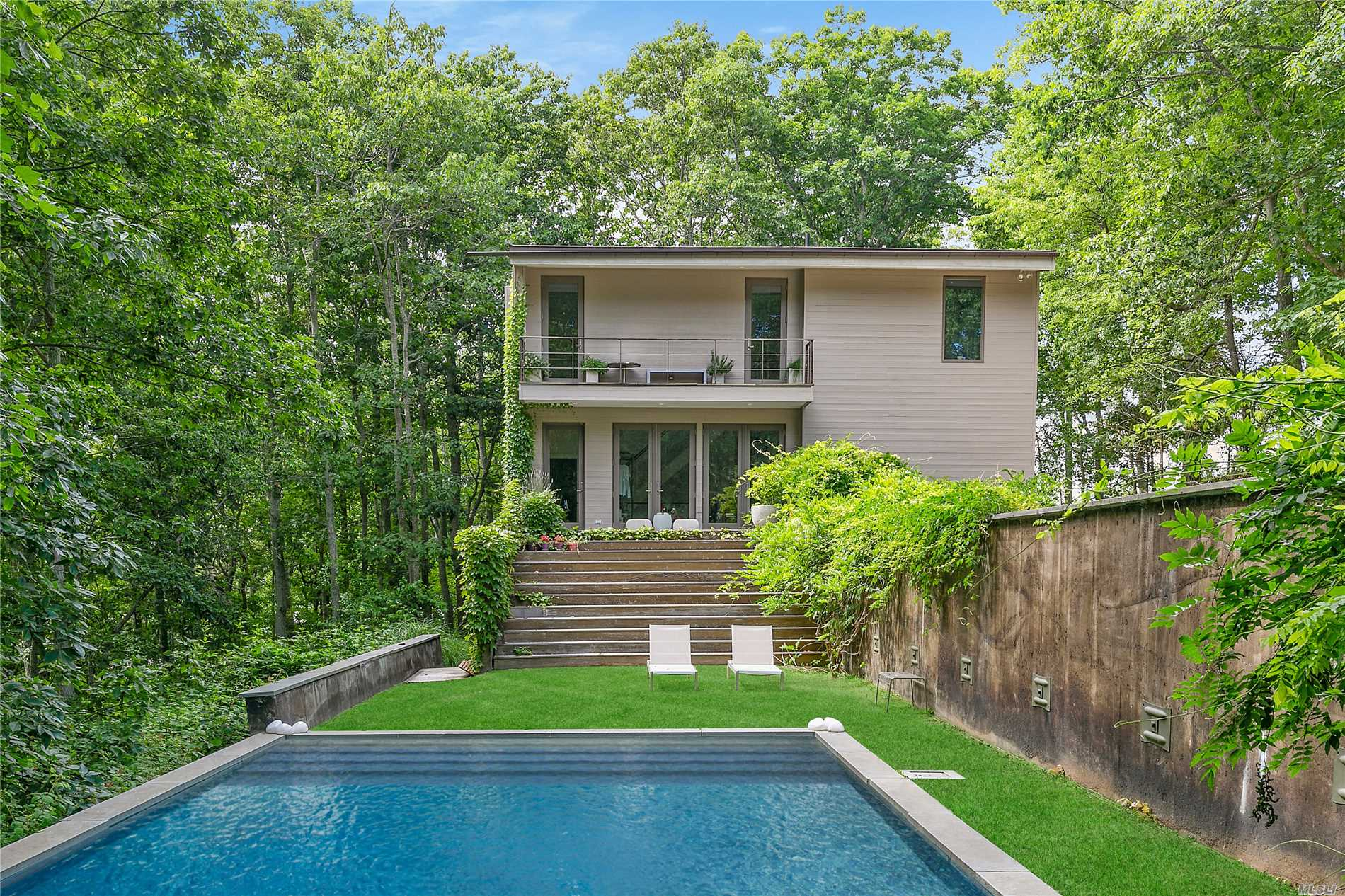 Photo of home for sale at 6 Sunnyside Ave, Shelter Island H NY