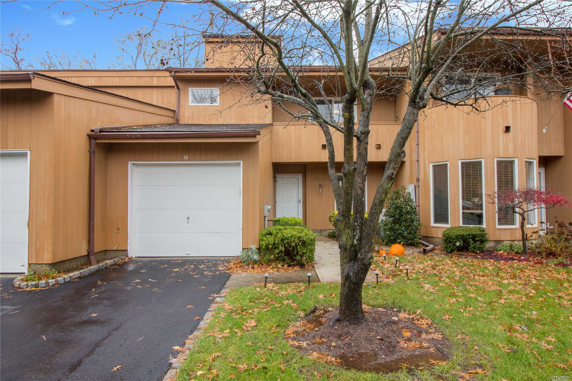 Property for sale at 36 Kristin Ln, Hauppauge,  NY 11788