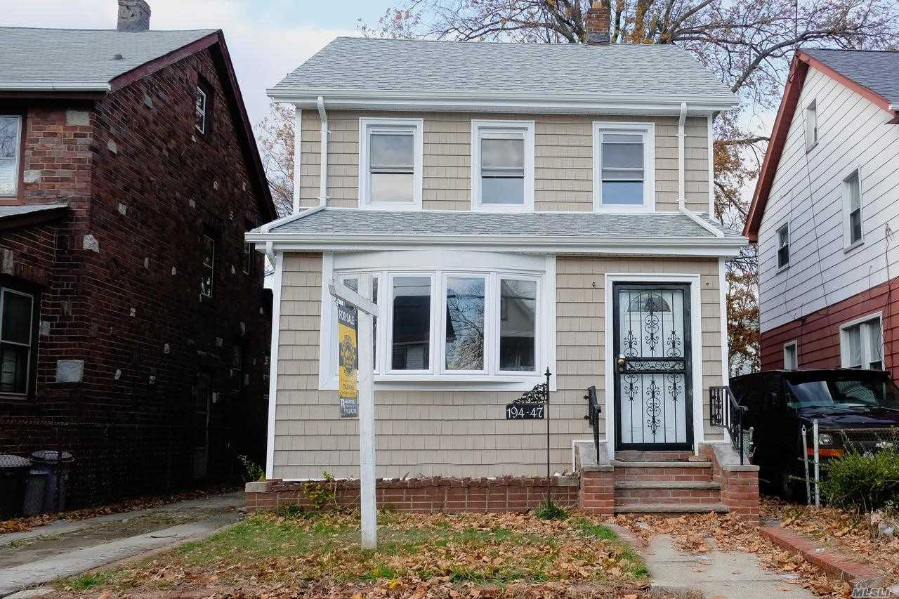 Photo of home for sale at 19447 114 Rd, St. Albans NY