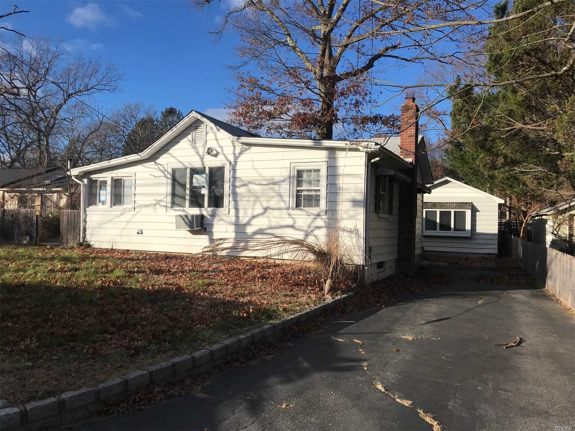 Photo of home for sale at 221 King Rd, Rocky Point NY
