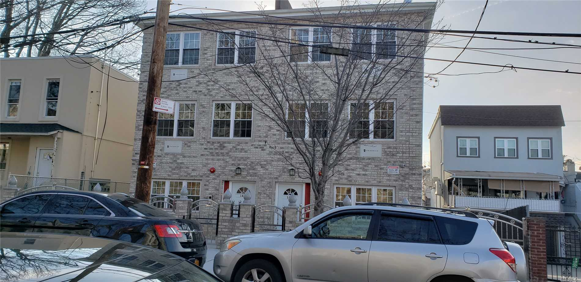 Photo of home for sale at 1623 Melville St, Bronx NY