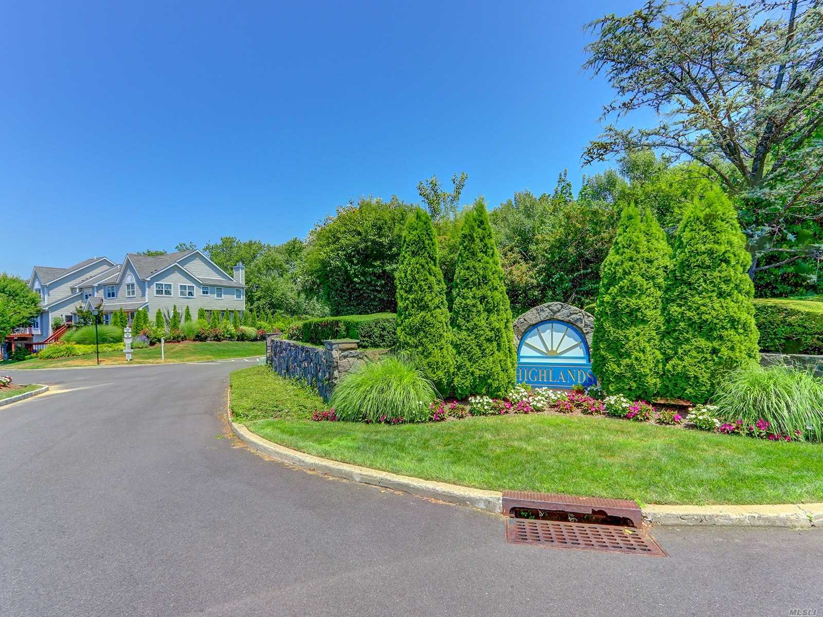 Property for sale at 34 Leeward Ln, Port Jefferson,  New York 11777
