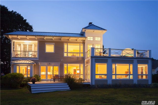 Photo of home for sale at 950 Blue Marlin Dr, Southold NY