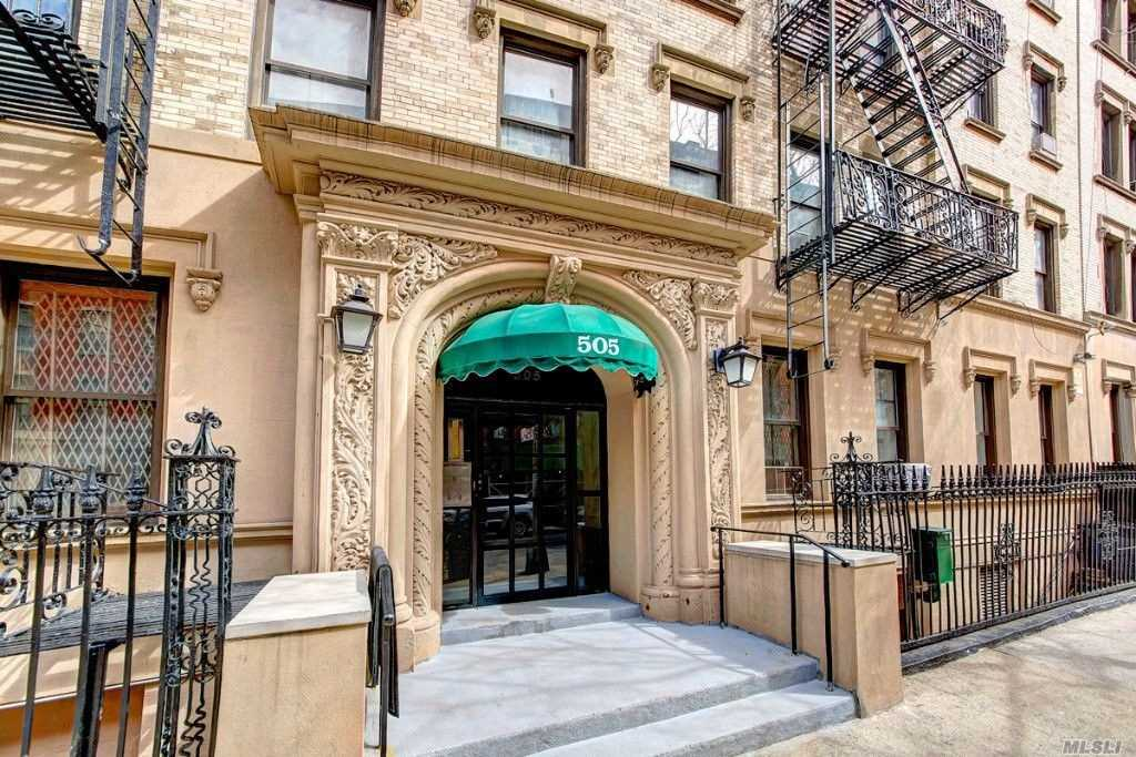 Photo of home for sale at 505 143rd St W, Manhattan NY