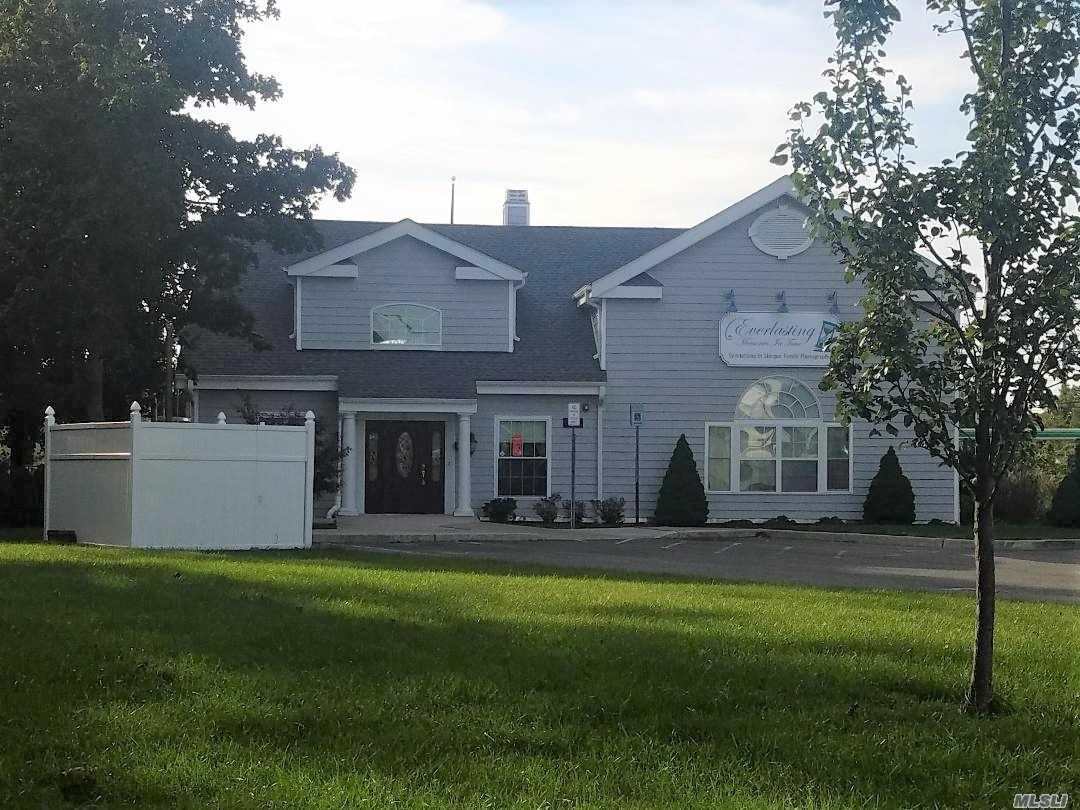 Photo of home for sale at 34 Lamport Ave, Pt.Jefferson Sta NY