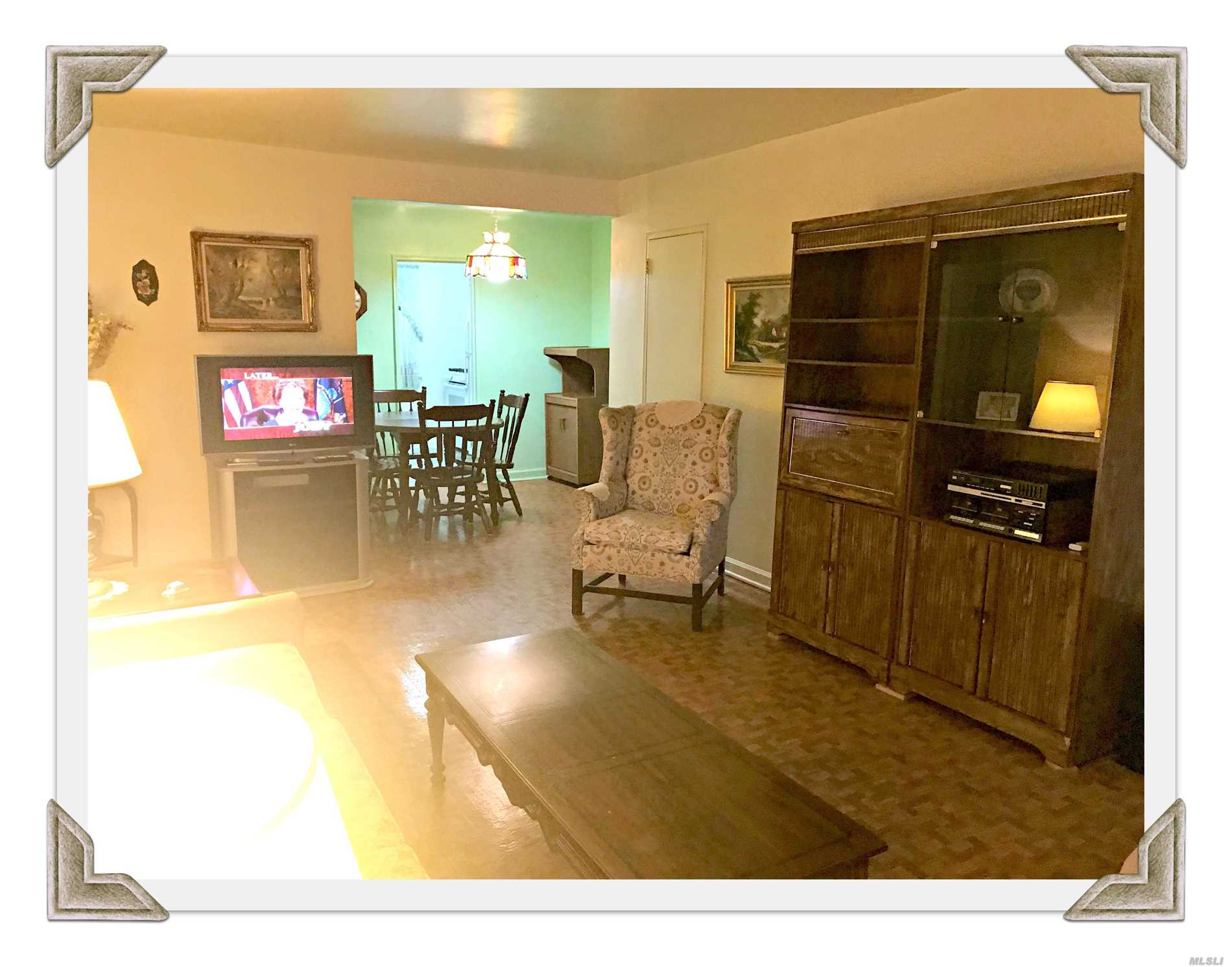 Photo of home for sale at 67-19 152 Rd, Kew Garden Hills NY