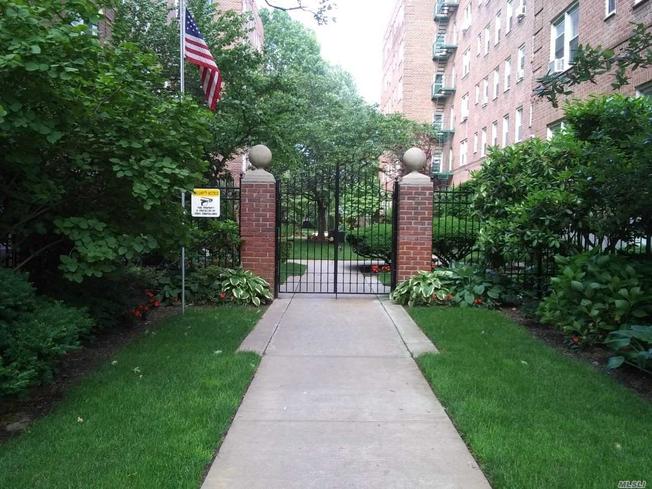 Property for sale at 32 Cathedral Ave Unit 5F, Hempstead,  New York 11550