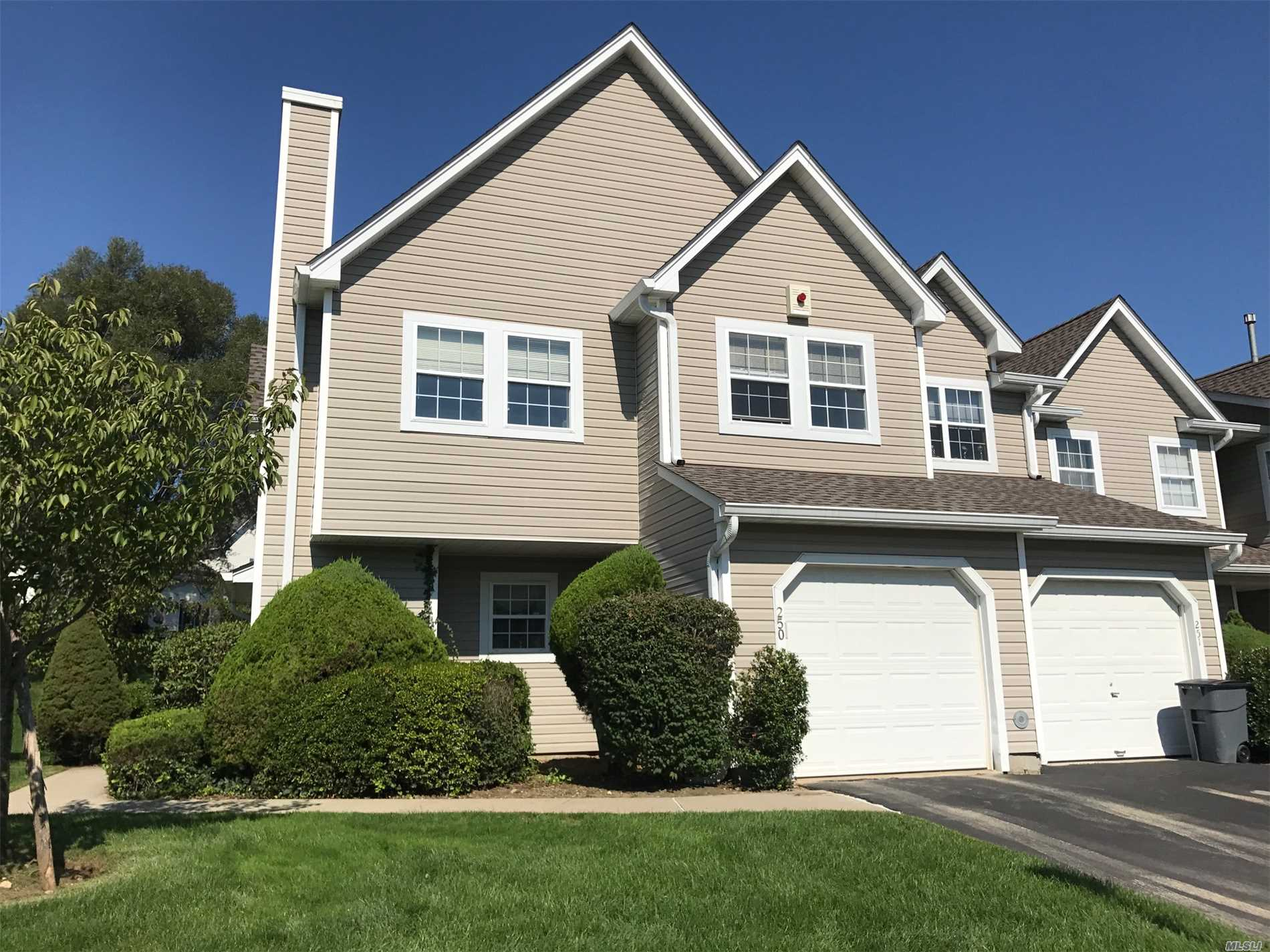 Property for sale at 250 Erin Ln, East Setauket,  NY 11733