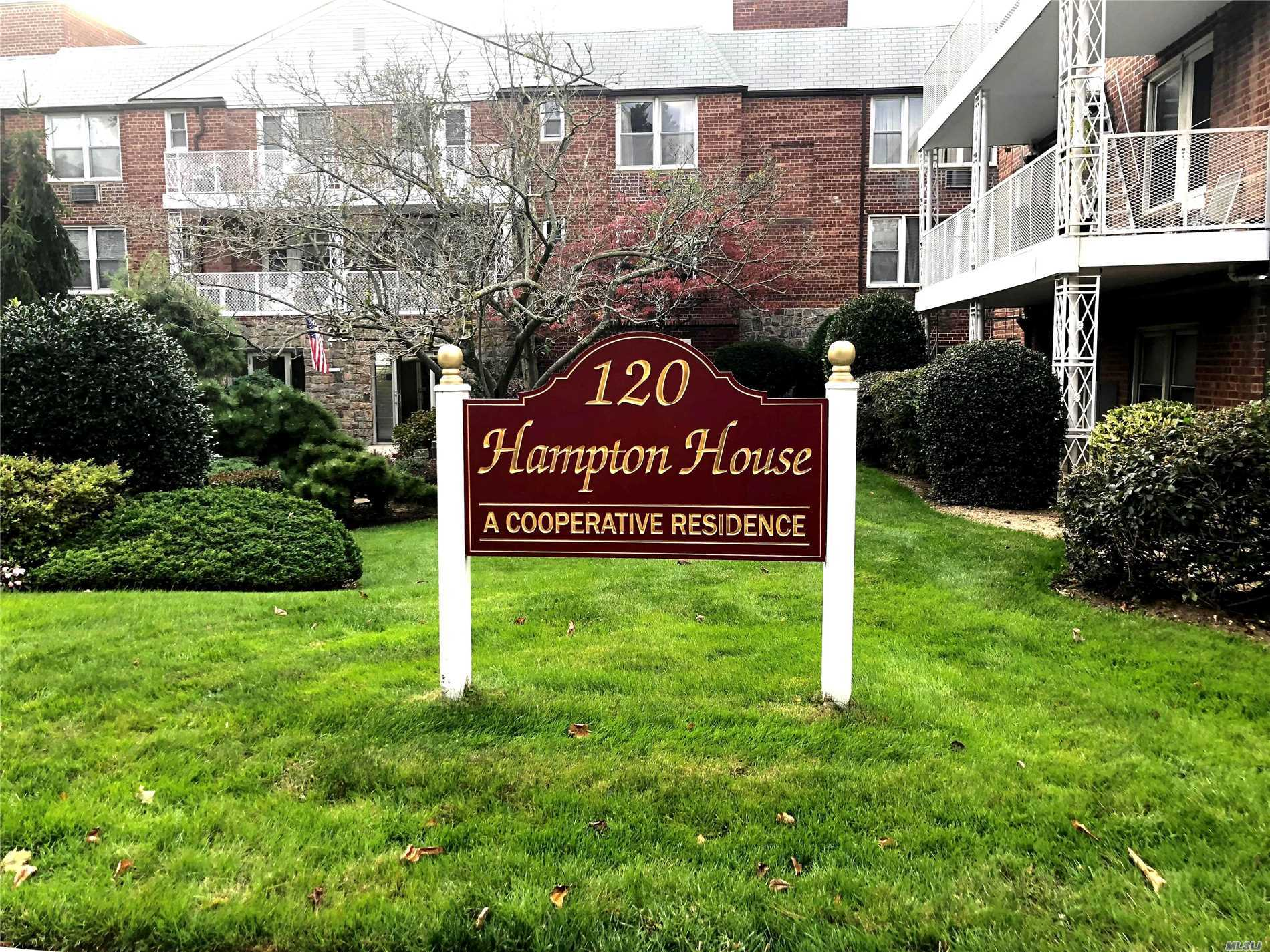 Property for sale at 120 Morris Ave, Rockville Centre,  NY 11570