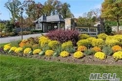 Photo of home for sale at 30 Earle Dr, Muttontown NY