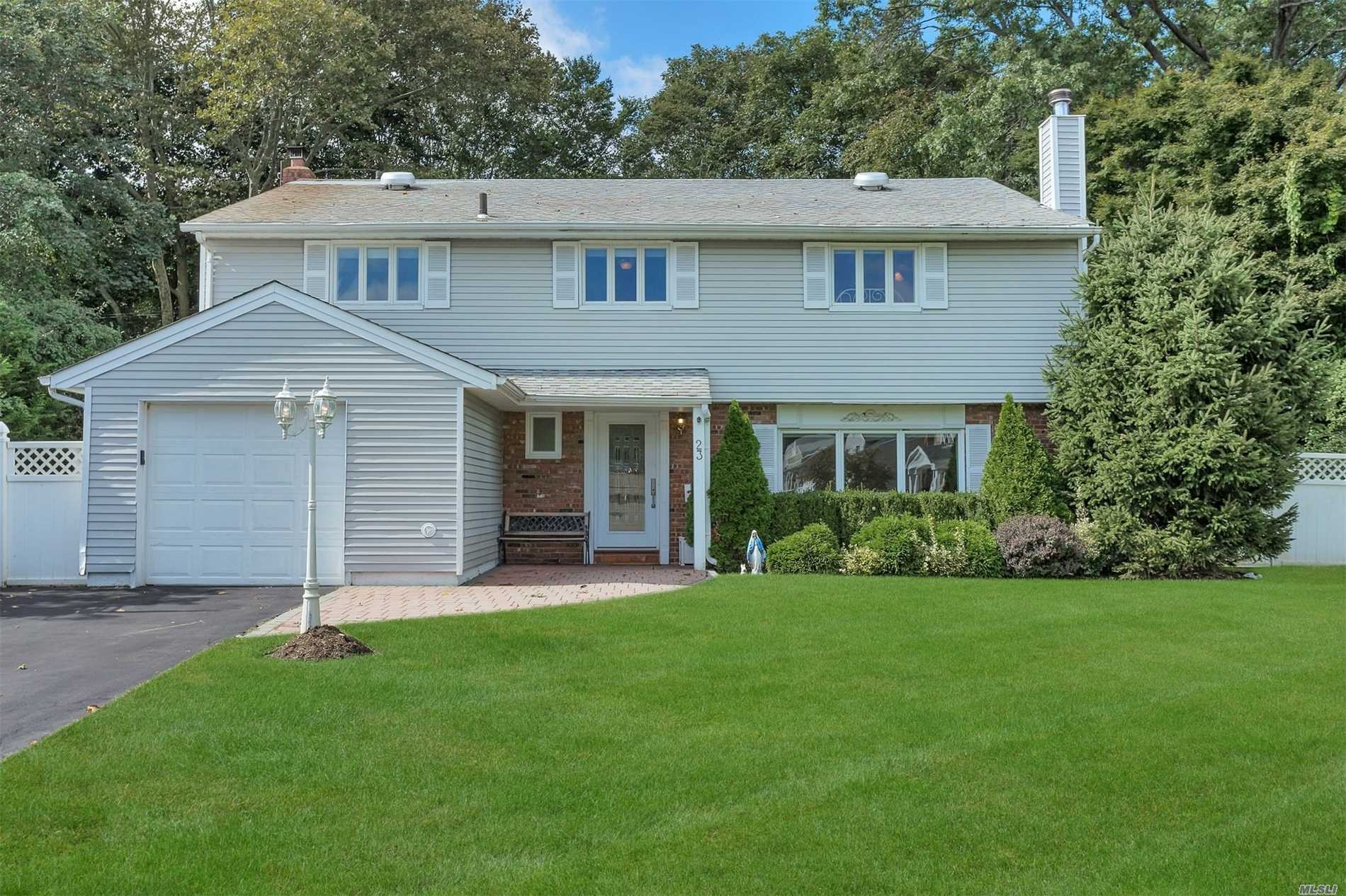 Photo of home for sale at 23 Barry Dr, Glen Cove NY
