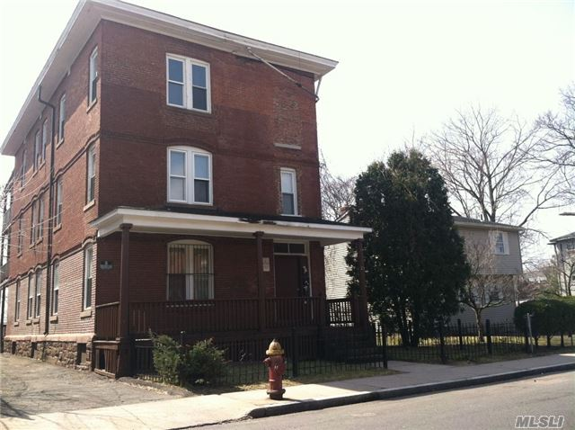 Photo of home for sale at 29 Belden St, Hartford CT