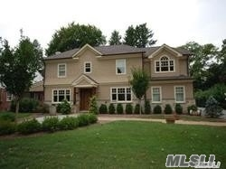 Photo of home for sale at 33 Mertoria Dr, East Williston NY