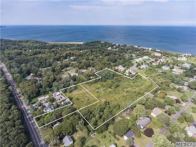 Photo of home for sale at 67925 County Rd     48, Greenport NY