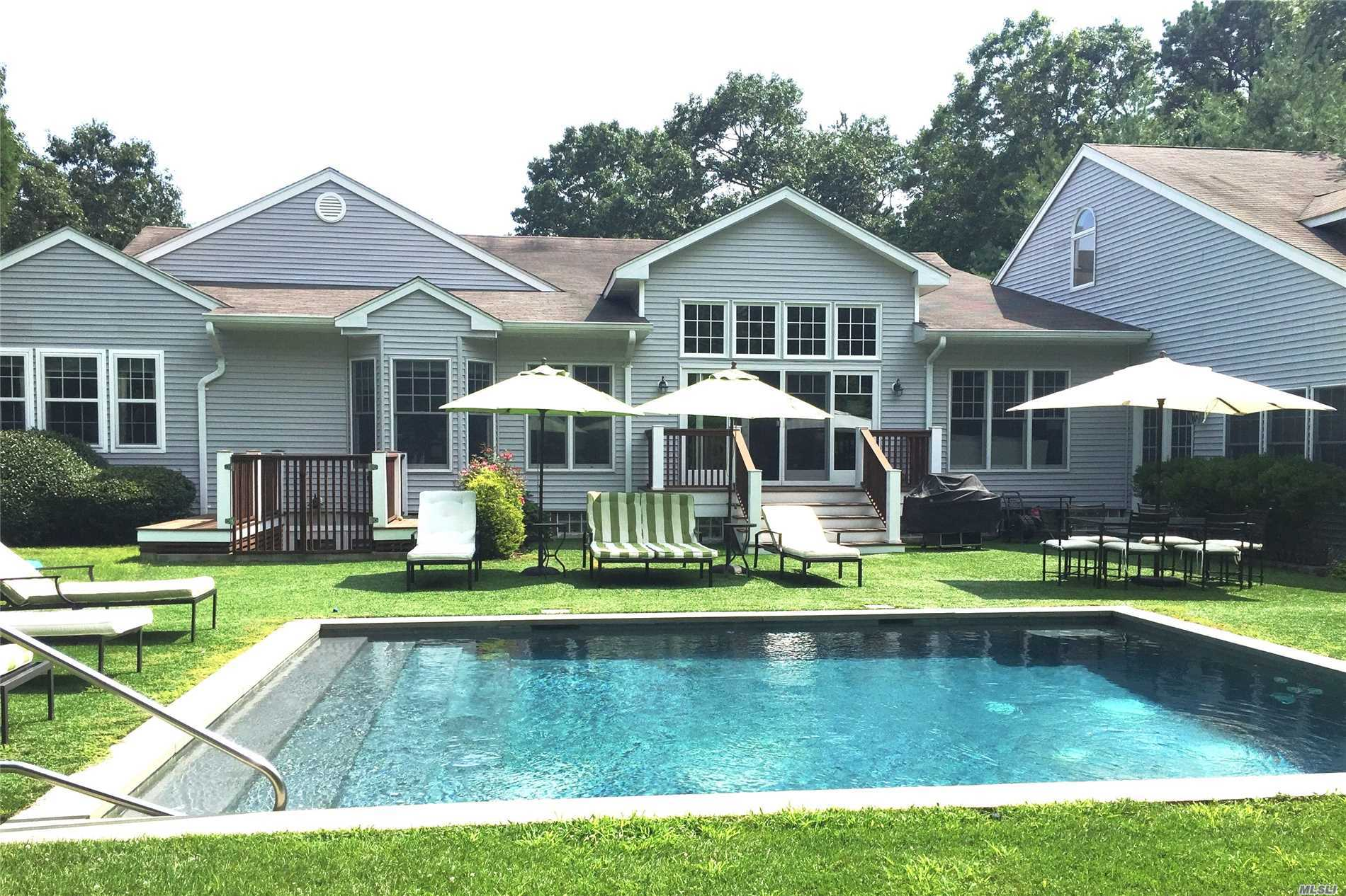 Photo of home for sale at 1 Jeffrey Ln, East Quogue NY