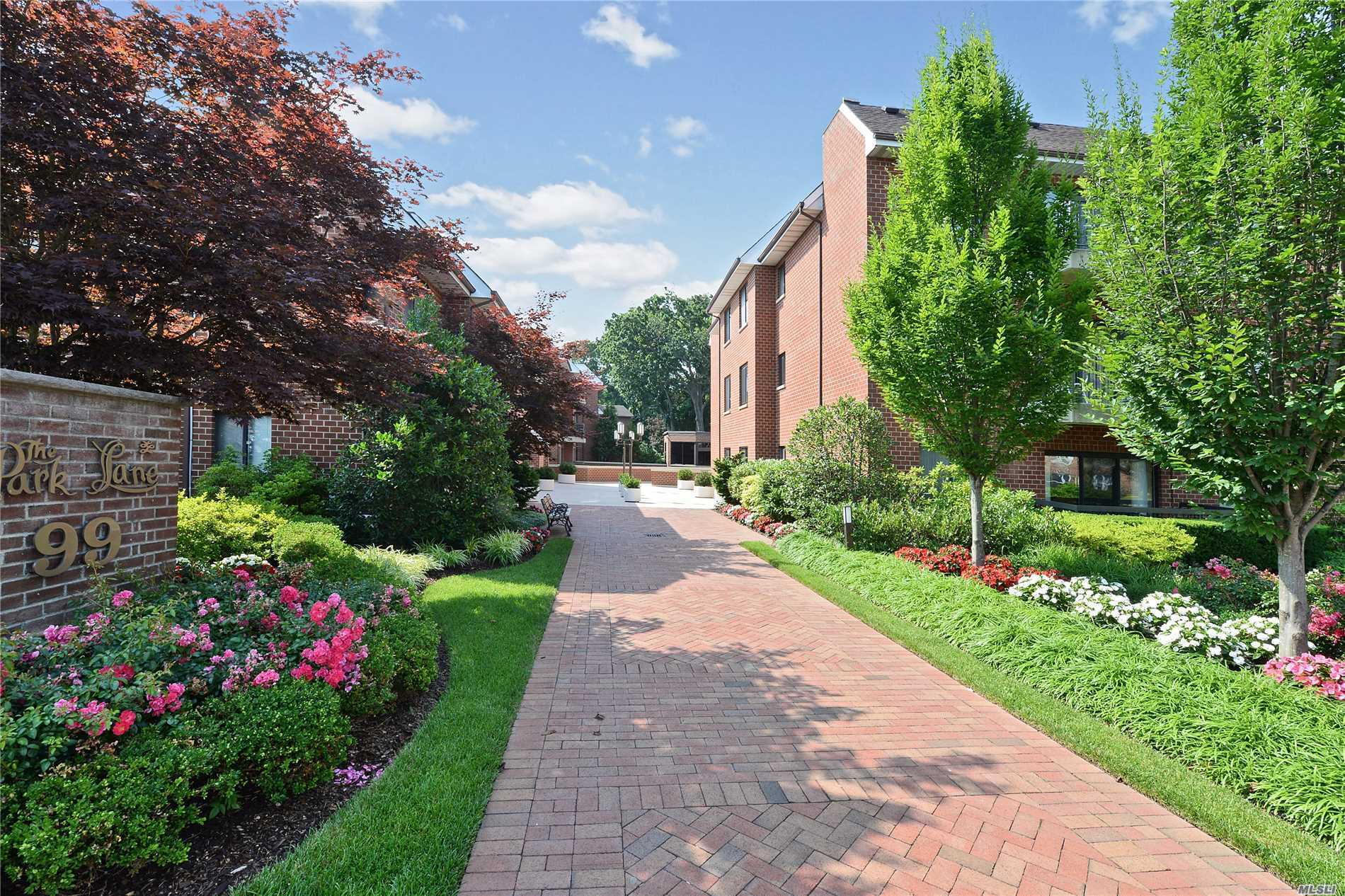 Property for sale at 99 S Park Ave, Rockville Centre,  NY 11570