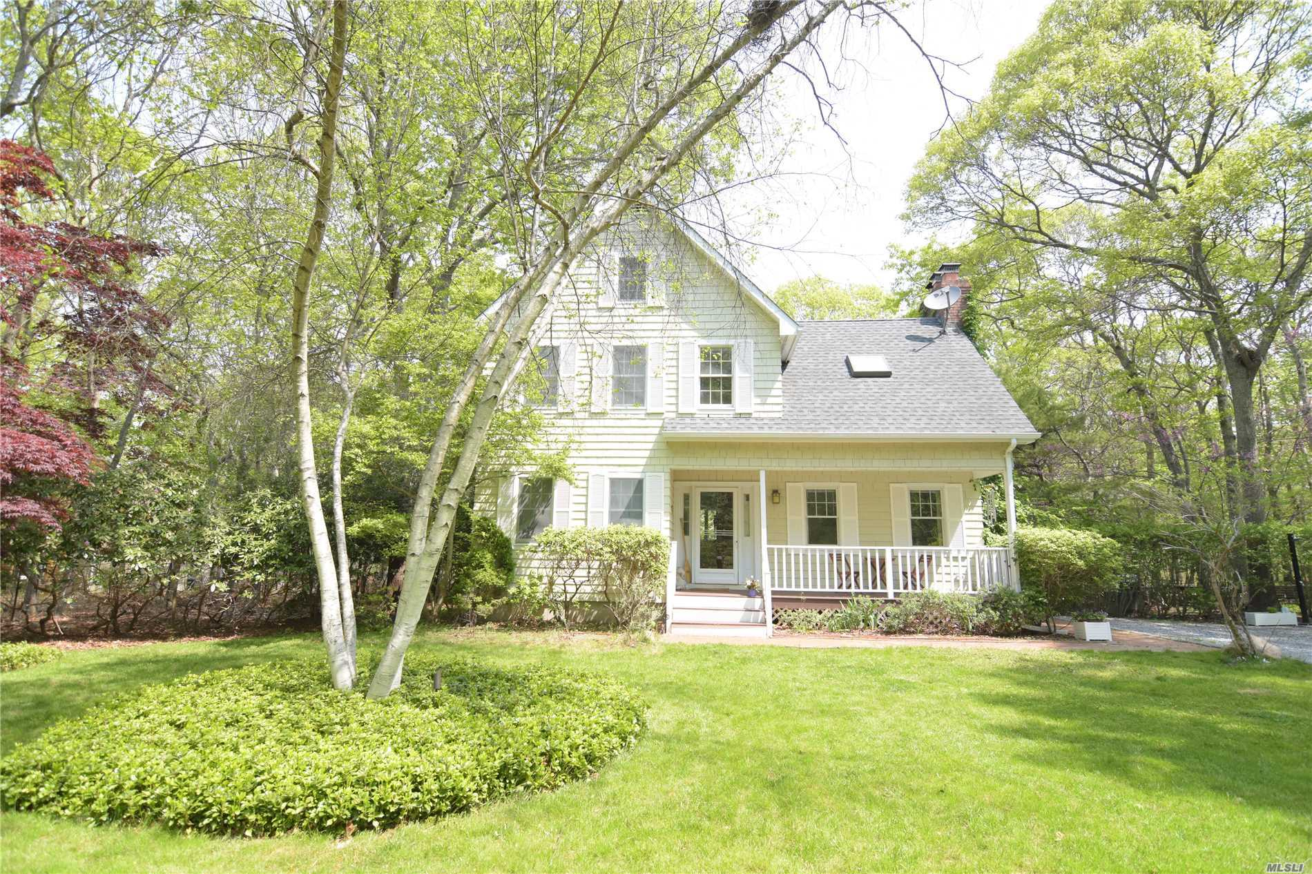 Photo of home for sale at 13 Parsons Close, East Hampton NY