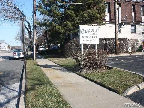 Photo of home for sale at 146 Albany Blvd, Atlantic Beach NY