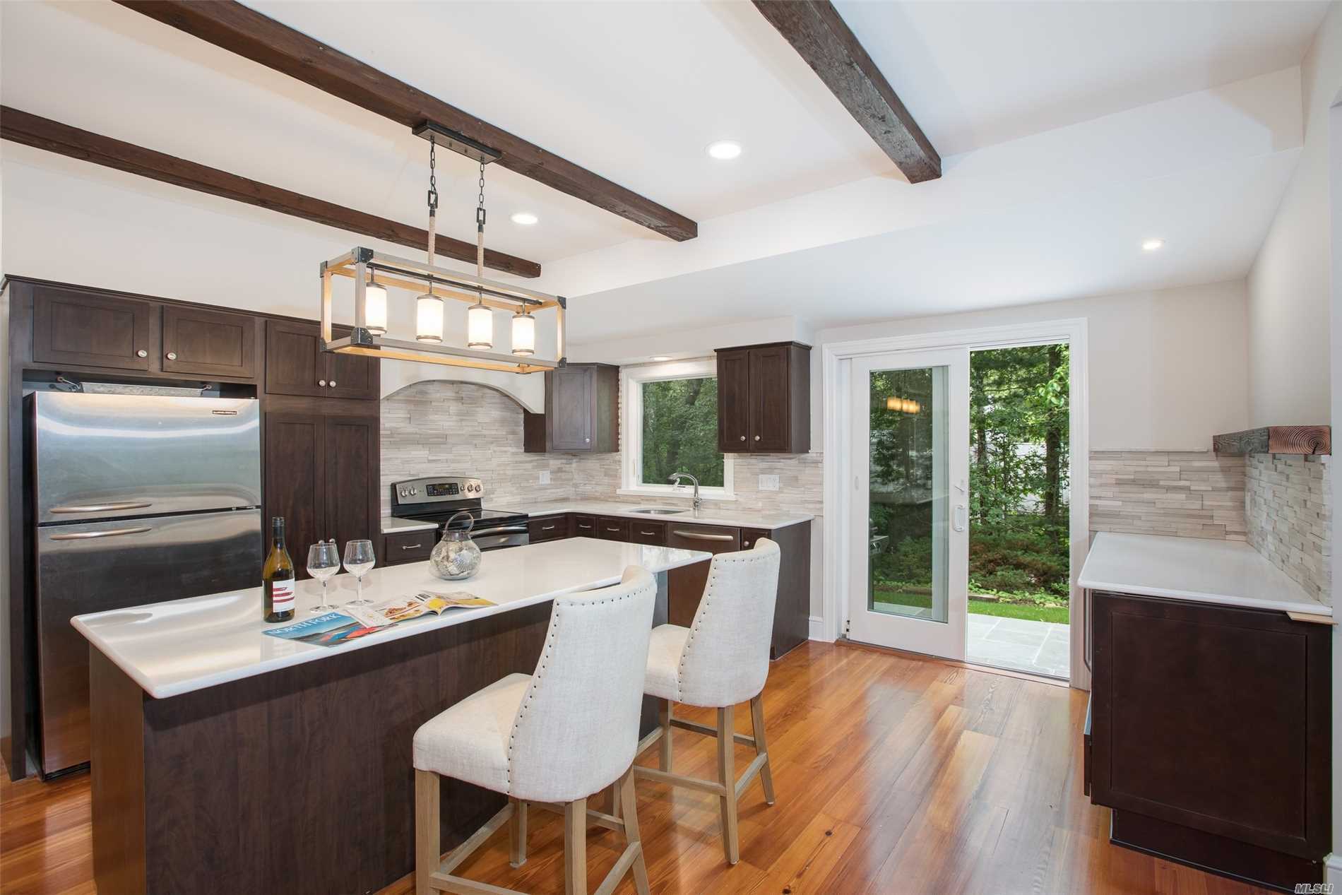 Photo of home for sale at 3915 Vanston Rd, Cutchogue NY