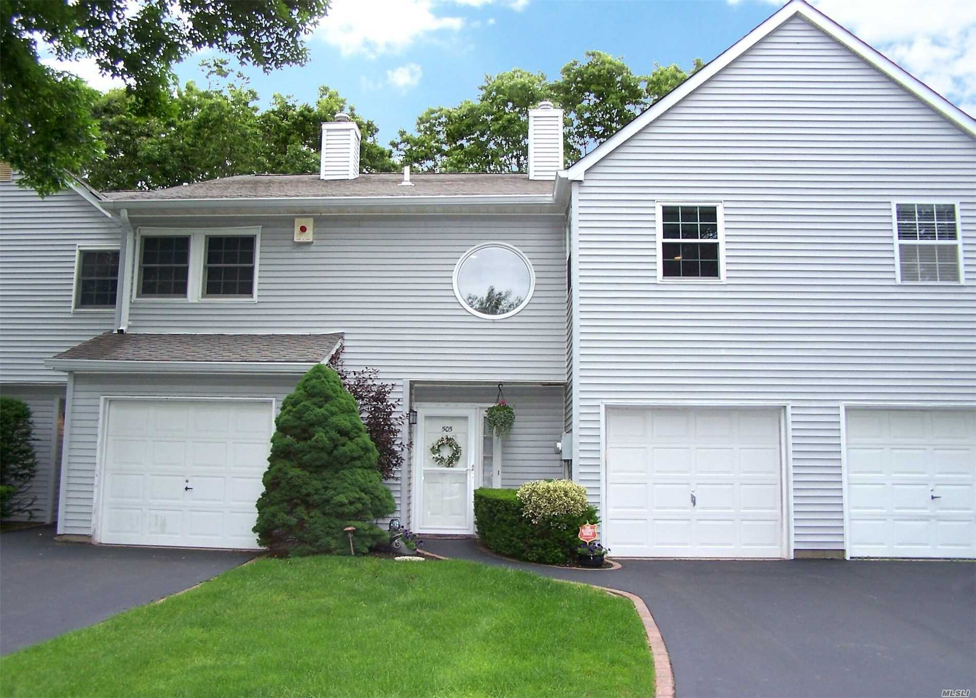 Property for sale at 505 Sara Cir, Pt.Jefferson Sta,  NY 11776