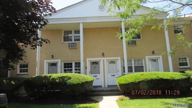 Property for sale at 3606 Wilshire Ln, Oakdale,  NY 11769