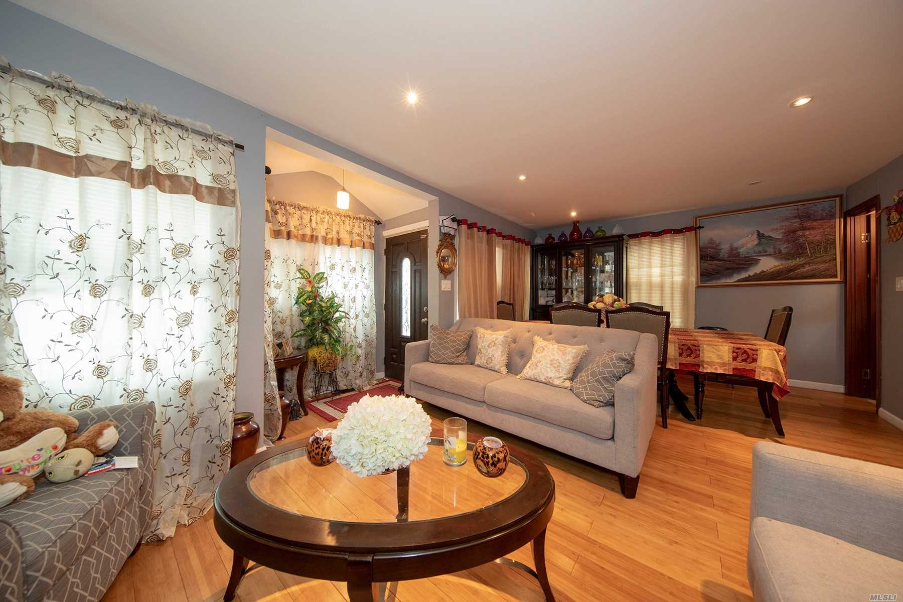 Photo of home for sale at 147 09 181 St, Springfield Gdns NY