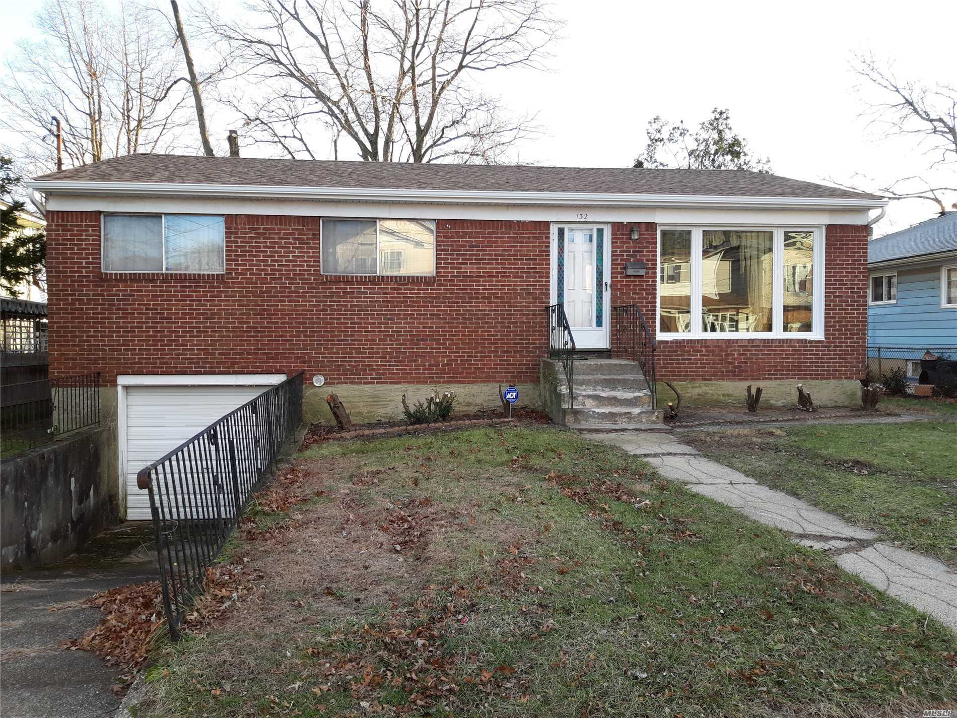 Photo of home for sale at 132 Brooks Ave, Roosevelt NY
