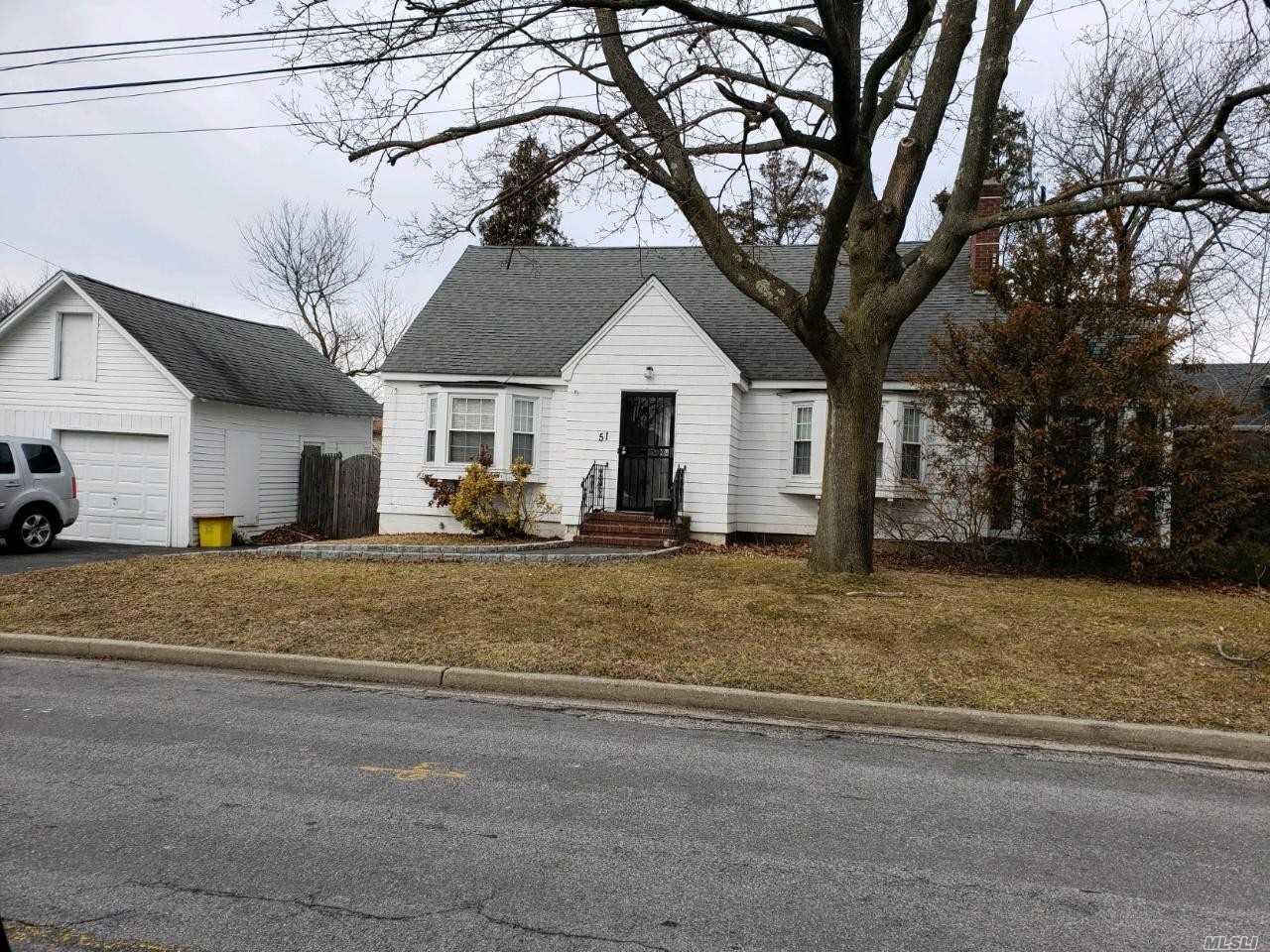 51 Marion St Farmingdale NY 11735