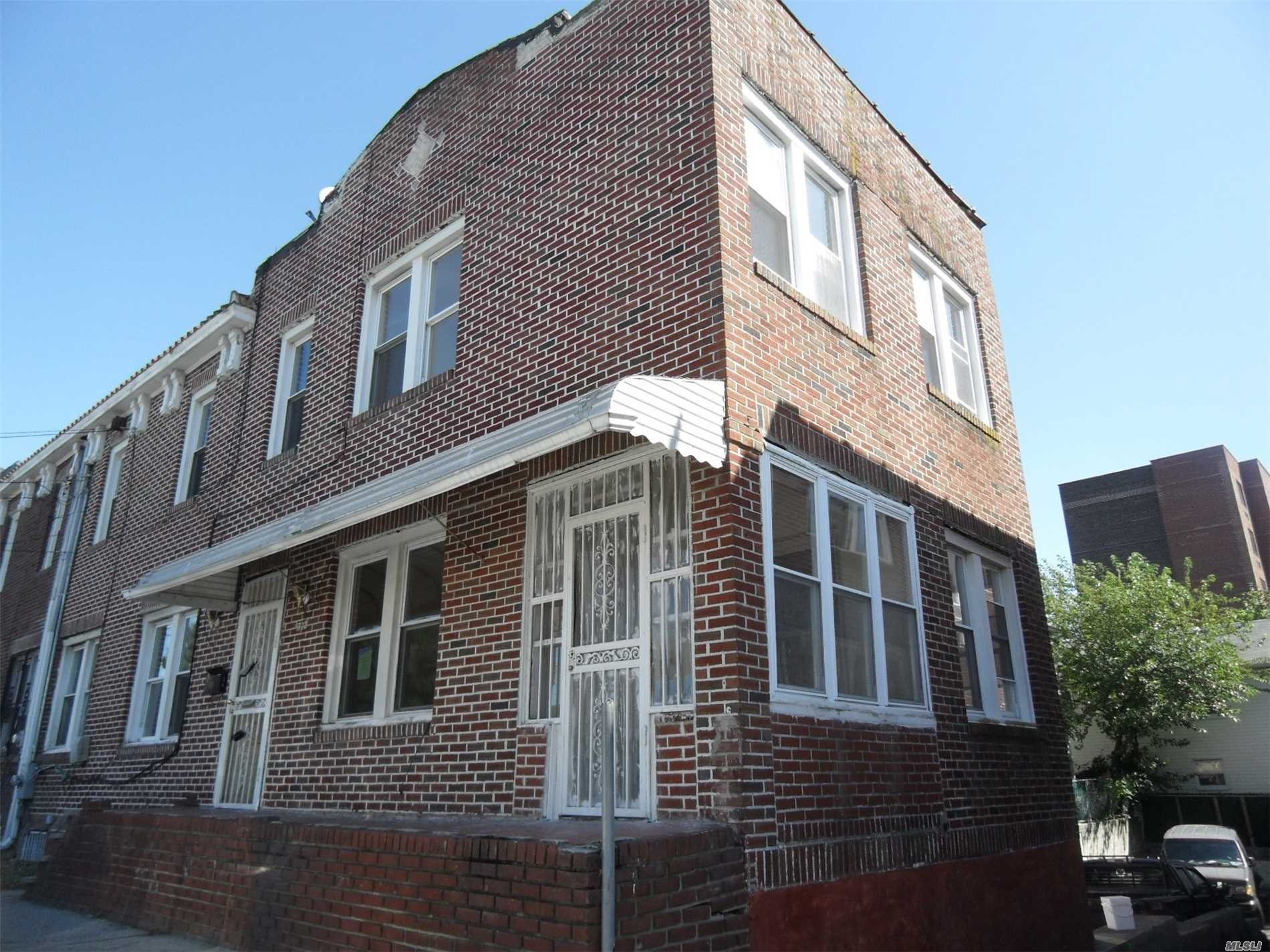 Photo of home for sale at 1732 New Haven Ave, Far Rockaway NY