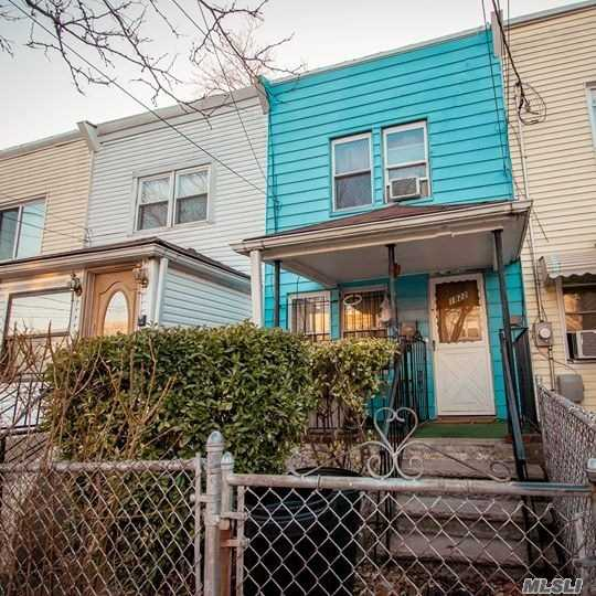 Photo of home for sale at 118-22 153rd St, Jamaica NY