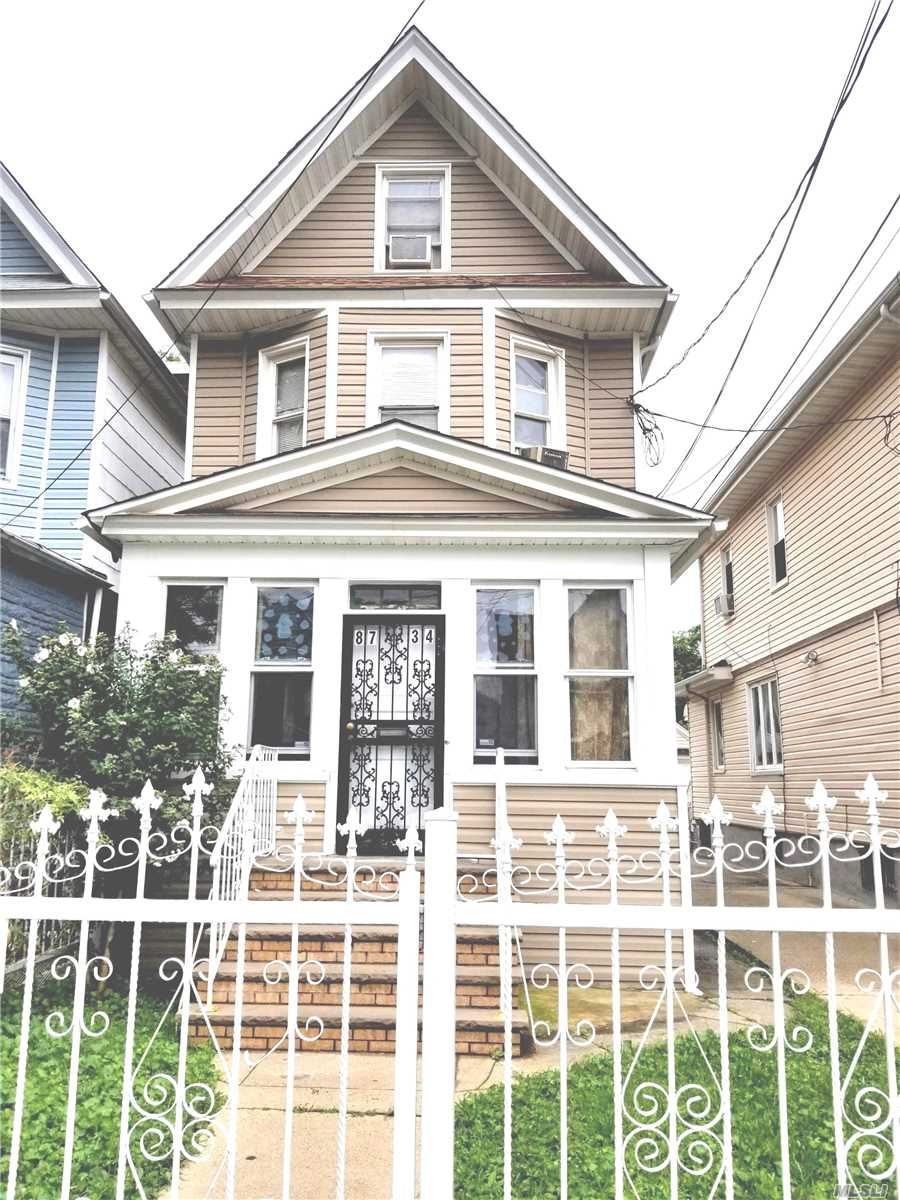 Photo of home for sale at 87-34 94th St, Woodhaven NY