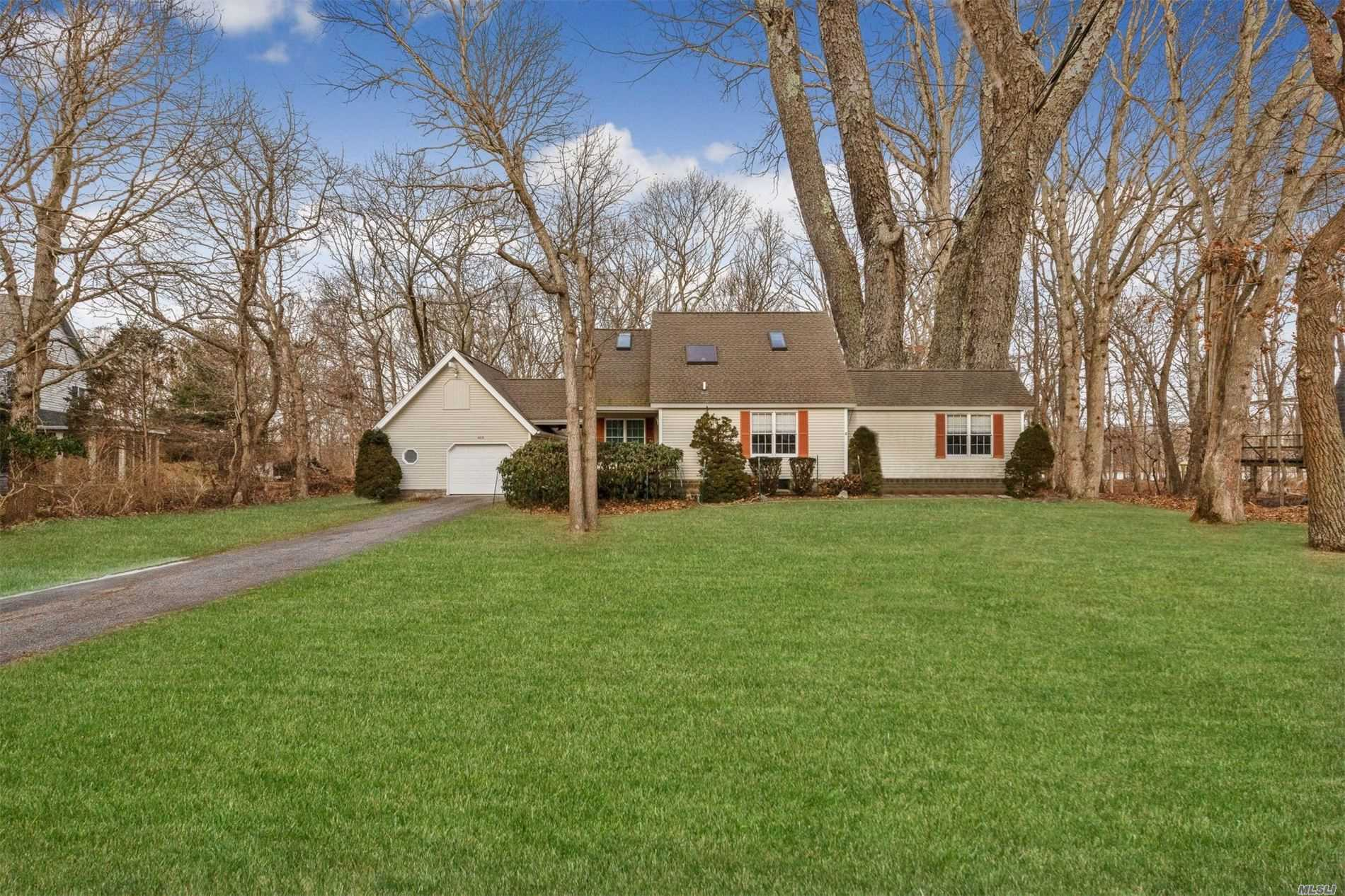 Photo of home for sale at 465 Tarpon Dr, Southold NY
