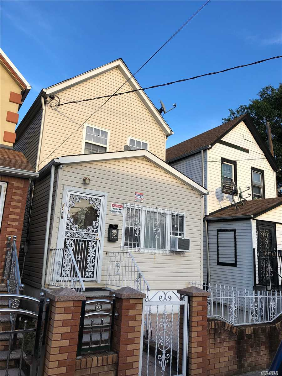 Photo of home for sale at 104-27 171 St, Jamaica NY