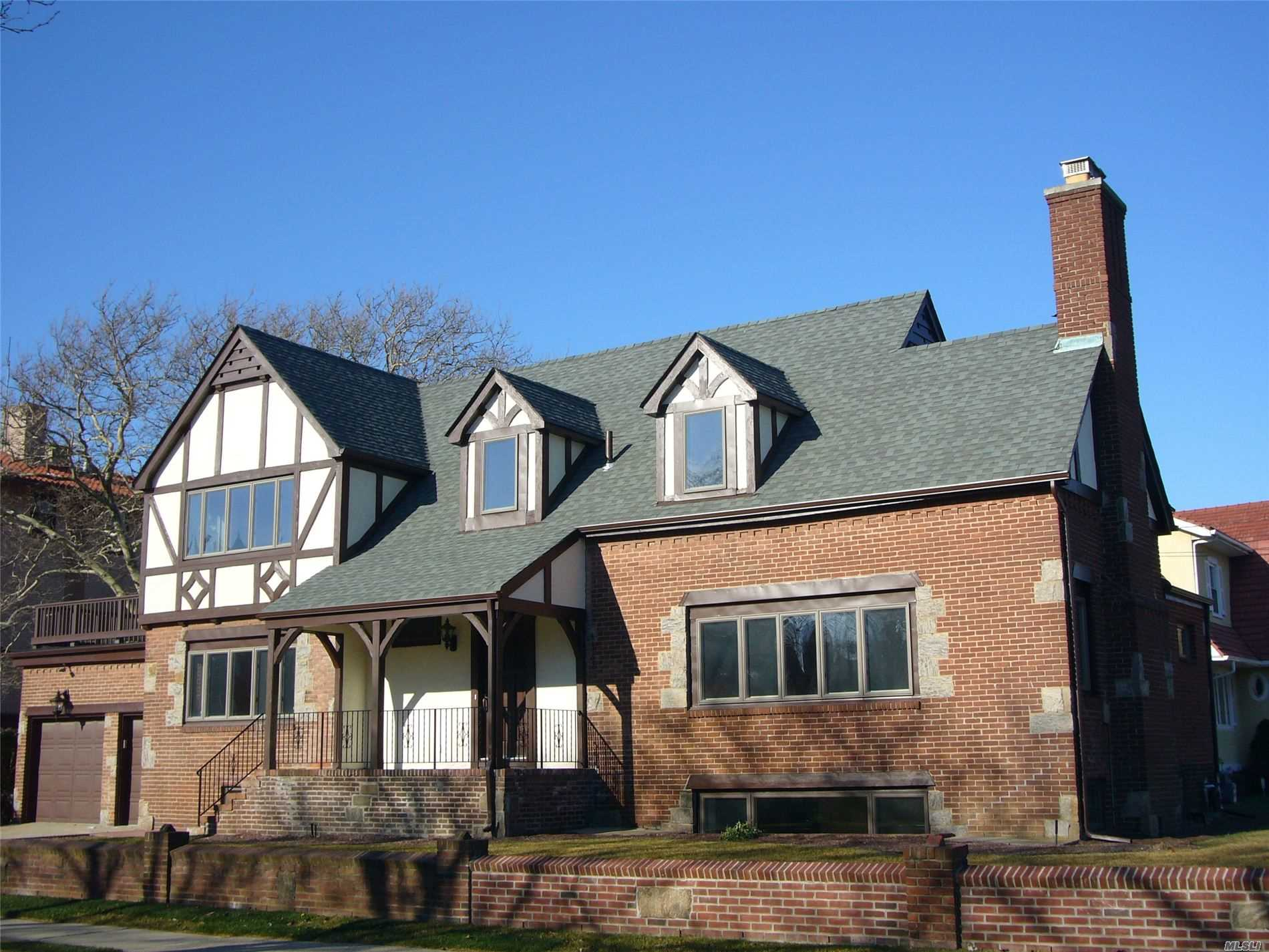 Photo of home for sale at 75 Beech St E, Long Beach NY