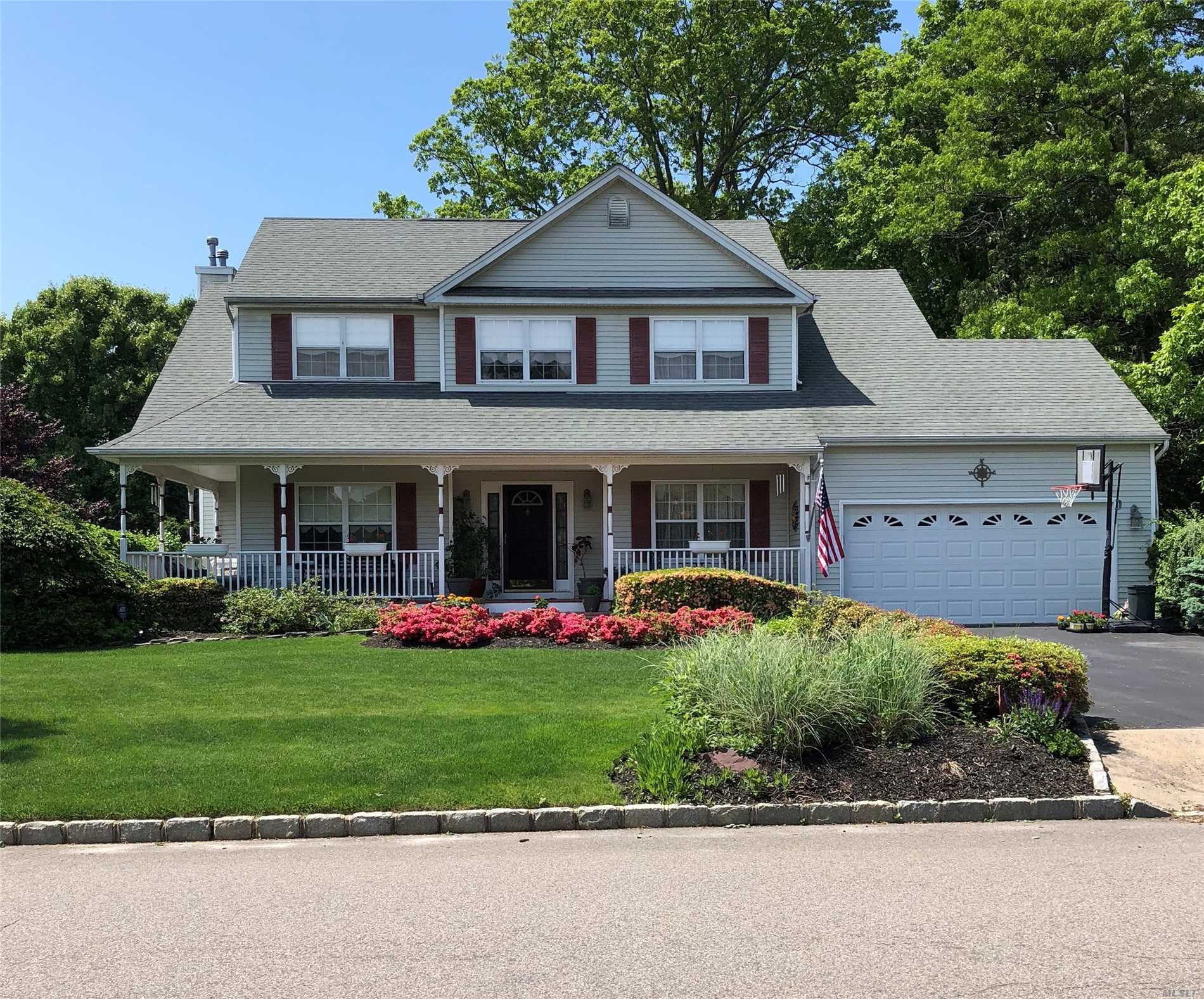 Photo of home for sale at 42 James Hawkins Rd, Moriches NY