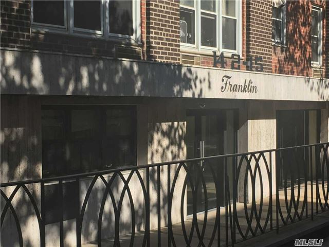 Photo of home for sale at 142-15 Franklin Ave, Flushing NY