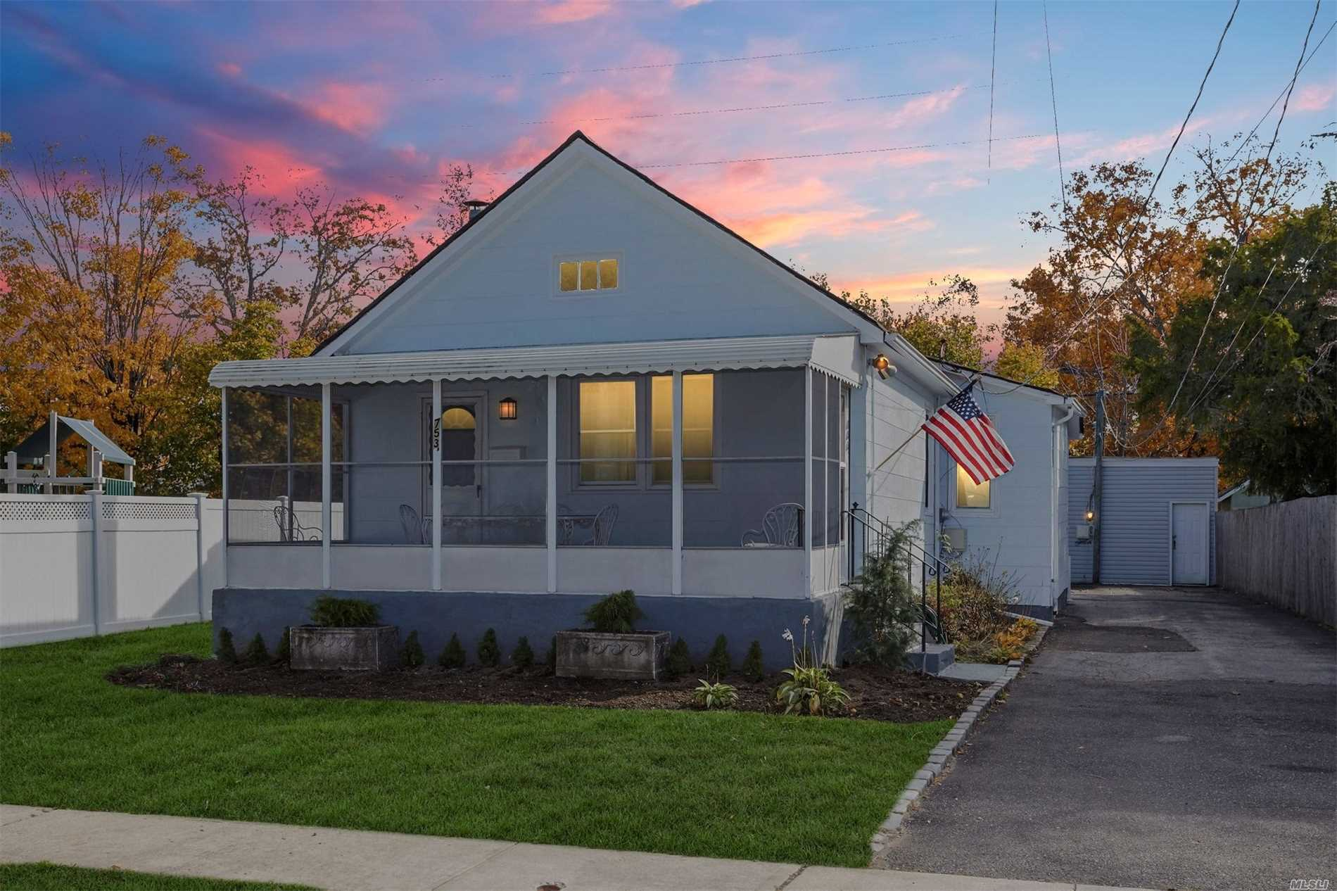 Photo of home for sale at 753 Althouse St, Woodmere NY