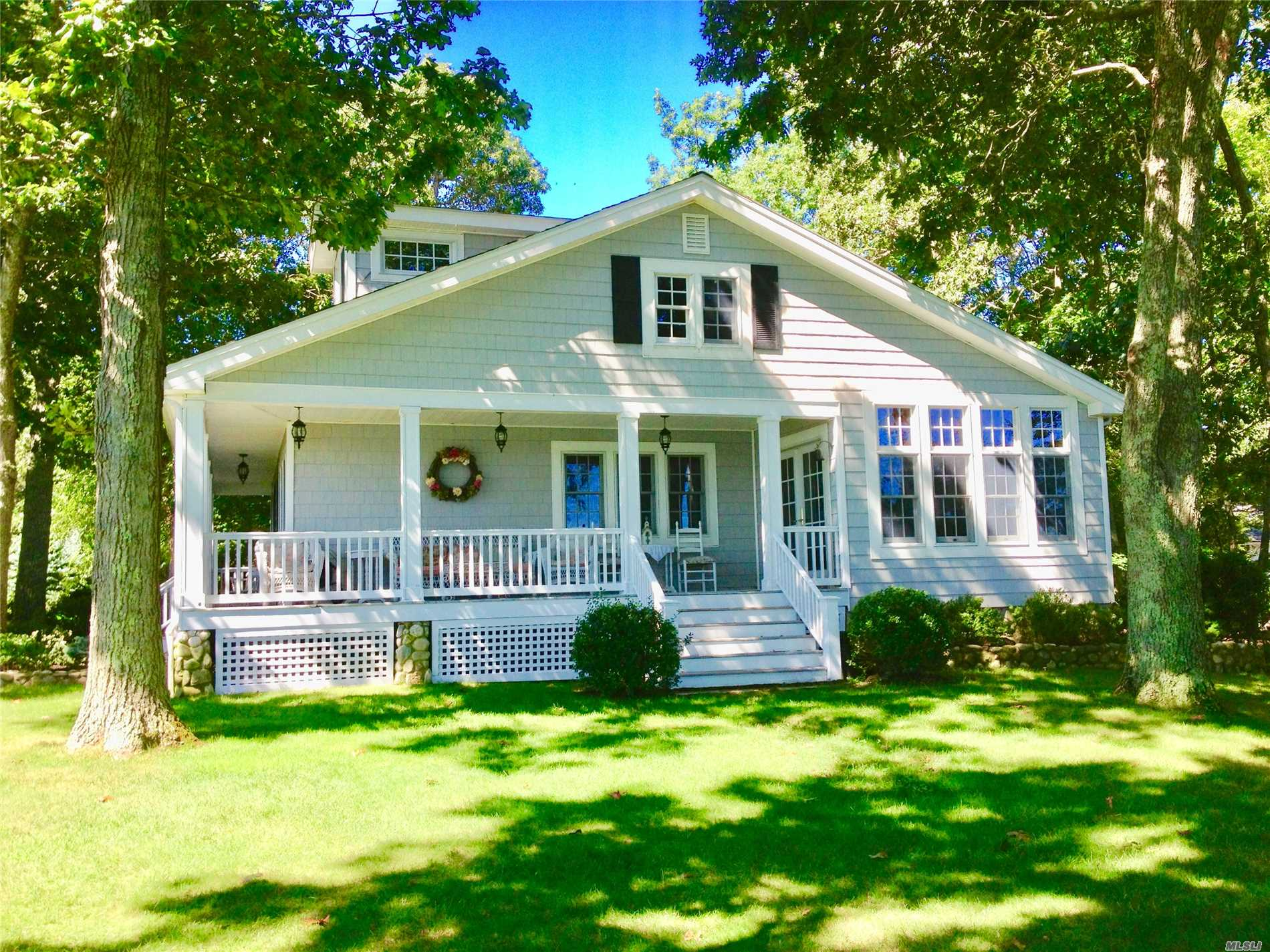 Photo of home for sale at 1020 Strohson Rd, Cutchogue NY